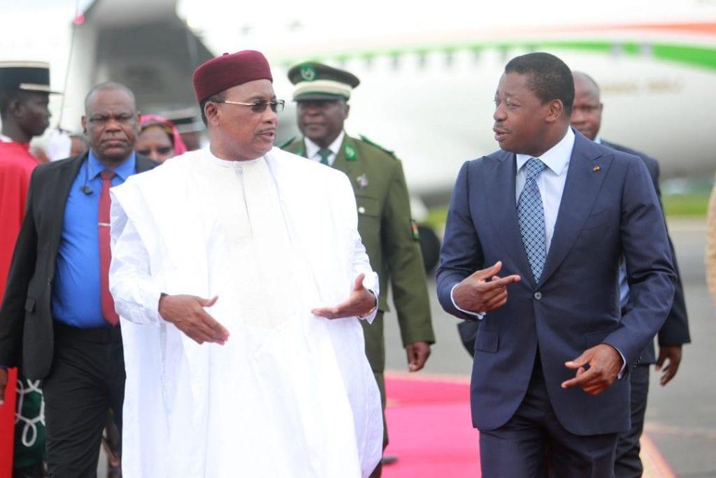 Sur invitation de SEM Faure Essozimna Gnassingbé, Président de la République Togolaise, le chef de l'Etat nigérien SEM Issoufou Mahamadou a effectué, ce 27 juin 2019 à Lomé, une visite d'amitié et de travail.