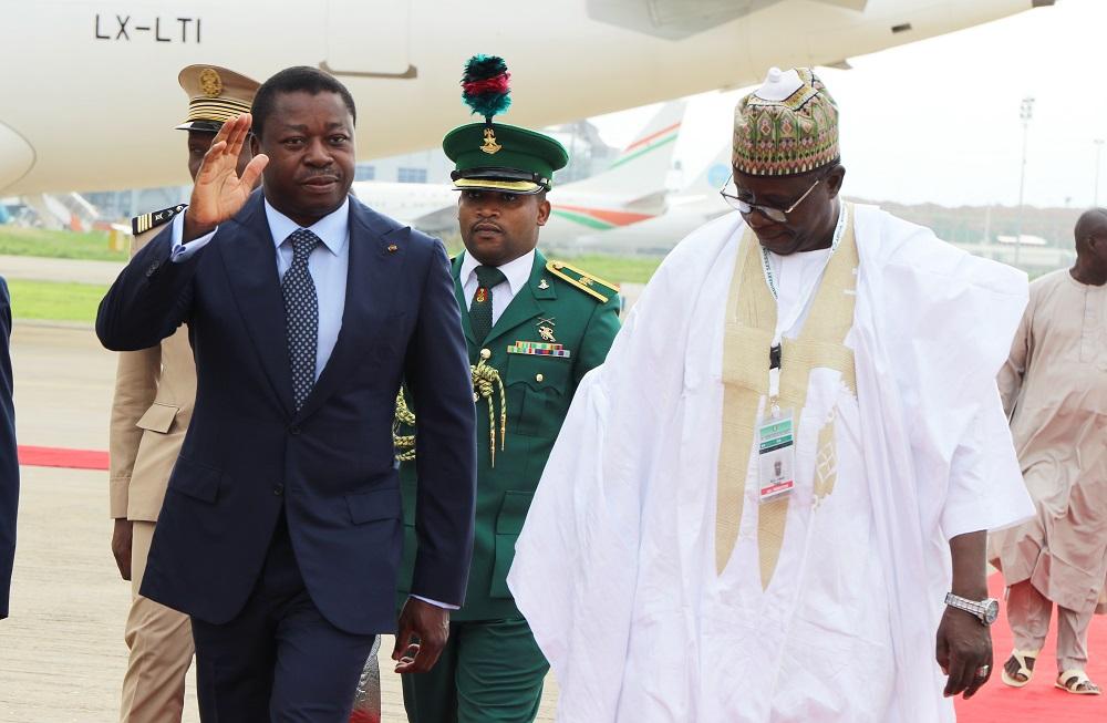 Le Président de la République SEM Faure Essozimna Gnassingbé est arrivé ce 29 juin 2019 à Abuja au Nigéria pour prendre part à la 55è session ordinaire de la Conférence des chefs d'Etat et de gouvernement de la CEDEAO
