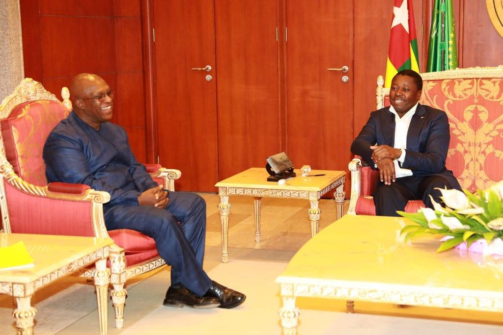 Un émissaire de Conakry chez le chef de l'Etat Le Président de la République SEM Faure Essozimna Gnassingbé a reçu, ce 22 juin 2019, le ministre d'Etat Tibou Kamara, Conseiller spécial du Président guinéen SEM Alpha Condé.