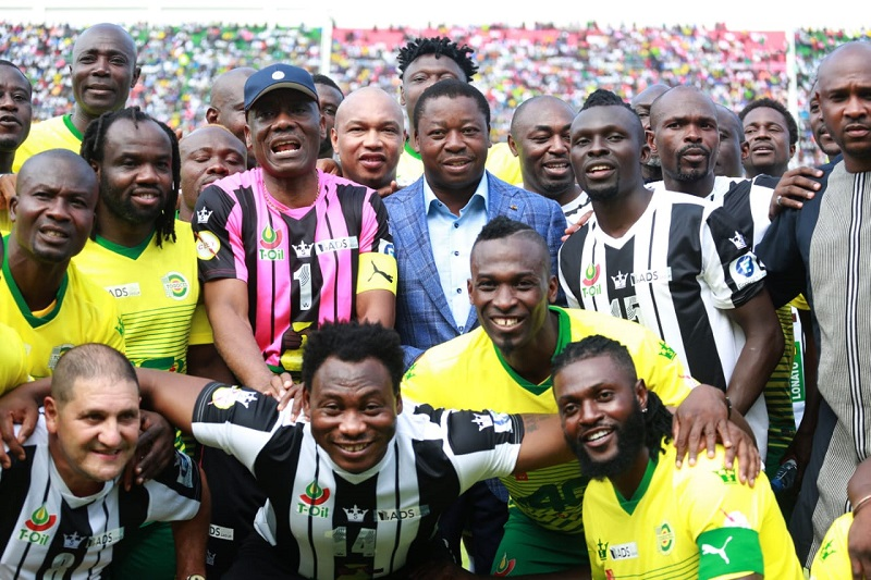 Le Président de la République SEM Faure Essozimna Gnassingbé a donné, ce samedi 27 juillet 2019 au stade de Kégué de Lomé, le coup d'envoi symbolique du match de charité opposant les internationaux togolais de la génération 2006 à une sélection des stars du football continental.