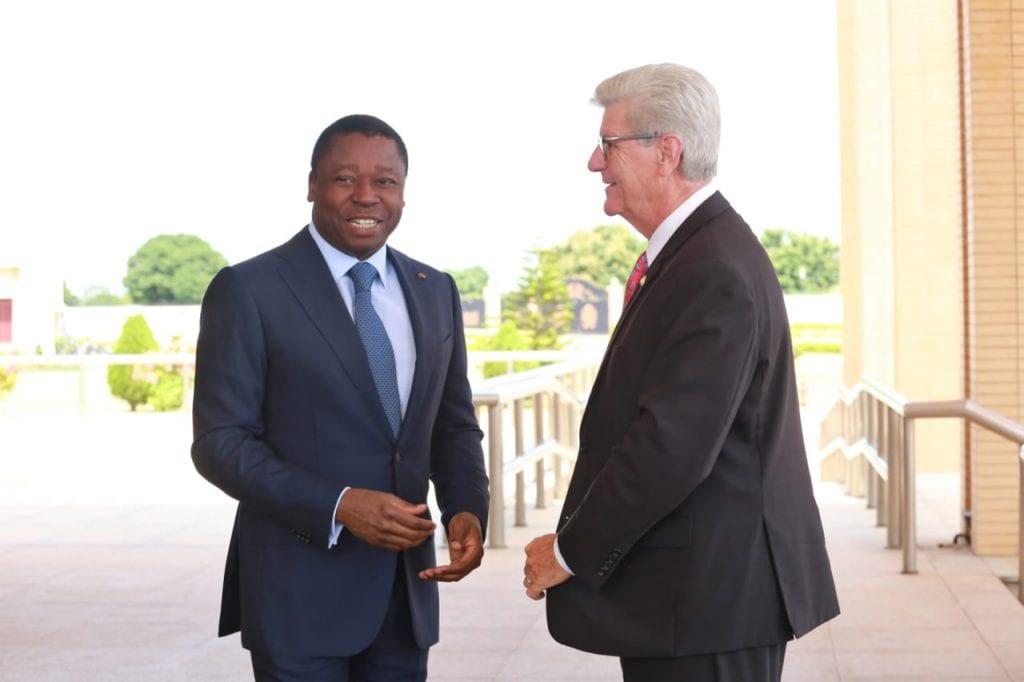 Le Président de la République SEM Faure Essozimna Gnassingbé a reçu, ce 12 août 2019 à Lomé, le gouverneur de l'Etat du Mississippi (USA), Phil Bryant, en visite de travail dans notre pays.