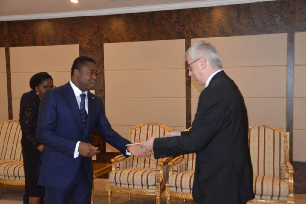 lettres de créance Le Président de la République SEM Faure Essozimna Gnassingbé a reçu, ce 18 septembre 2019, les lettres de créance du nouvel ambassadeur d'Allemagne au Togo, M. Matthias Veltin