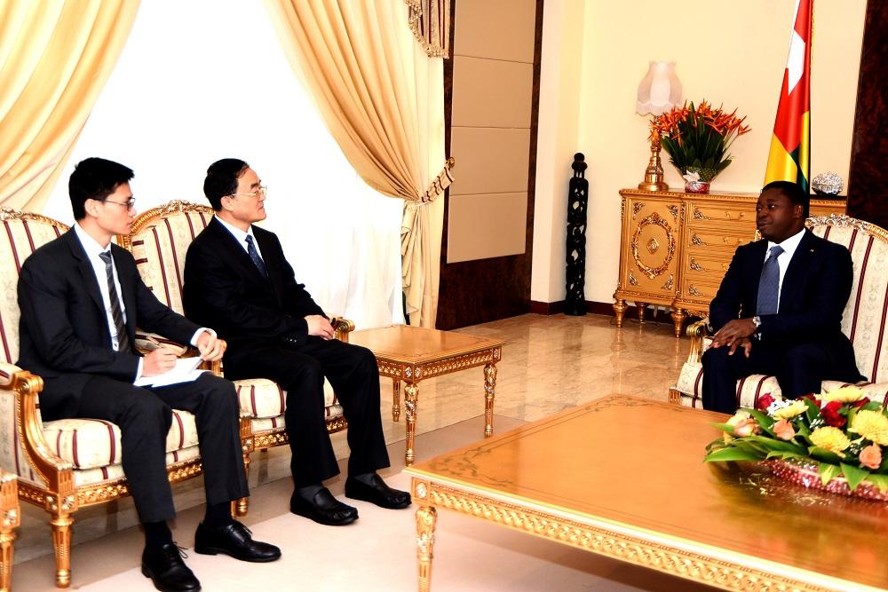 Le Président de la République SEM Faure Essozimna Gnassingbé s'est entretenu, ce 04 septembre 2019 à Lomé, avec une délégation du Parti communiste chinois (PCC) conduite par M. Qu Qingshan