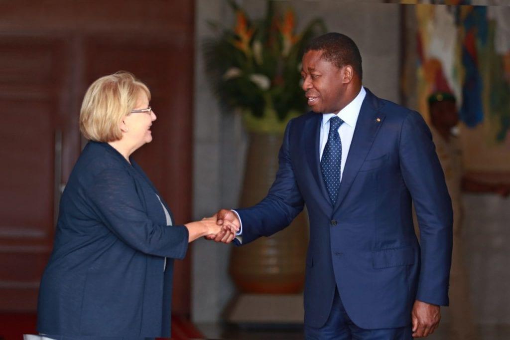 Le Président de la République SEM Faure Essozimna Gnassingbé a reçu, ce 08 octobre 2019, l'ambassadeur du Canada au Togo, Mme Heather Cameron.