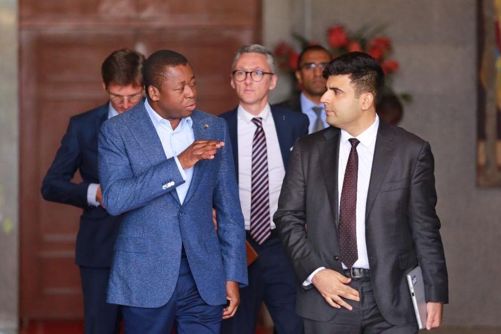 Energie : une délégation du groupe EDF chez le chef de l'Etat Dans sa stratégie nationale d'électrification, le Togo ambitionne d'atteindre une couverture universelle d'ici à l'horizon 2030. Le Président de la République SEM Faure Essozimna Gnassingbé a reçu, une délégation du groupe Electricité de France (EDF) conduite par M. Xavier Raulan