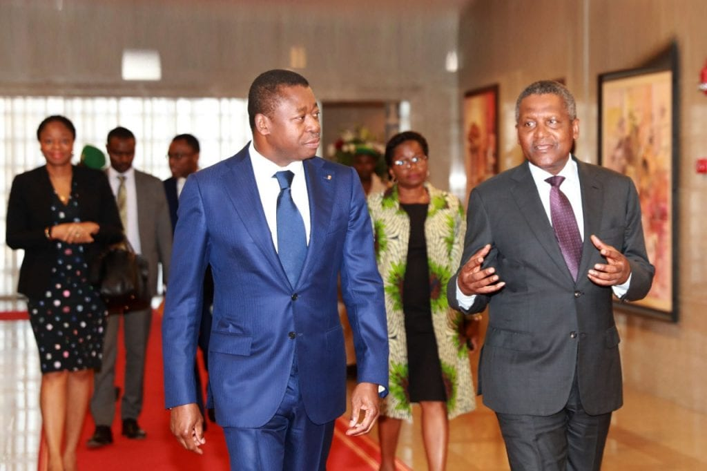 e chef de l'Etat SEM Faure Essozimna Gnassingbé a présidé, ce 07 novembre 2019 à Lomé, une cérémonie de signature de deux accords de partenariat entre le Togo et Dangote Industries Limited (DIL).