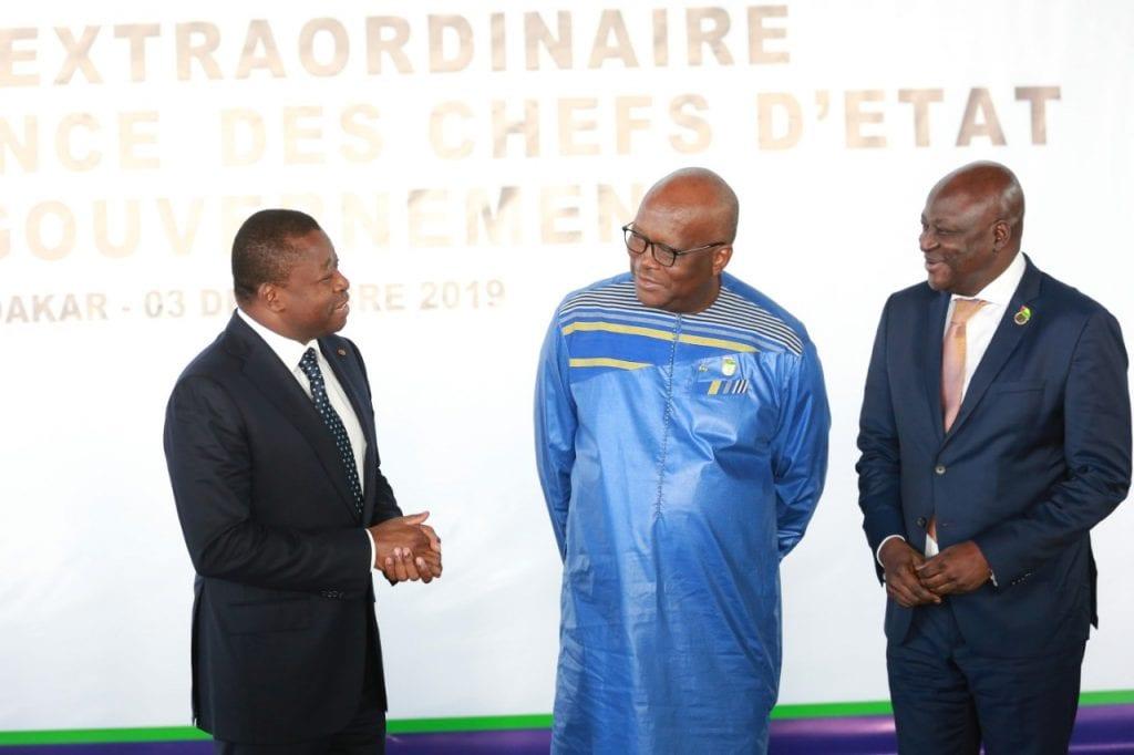 Le Président de la République, SEM Faure Essozimna Gnassingbé, a pris part à Dakar au Sénégal à la session extraordinaire de la Conférence des chefs d'Etat et de gouvernement de l'Union économique et monétaire ouest-africaine (UEMOA) consacrée à la sécurité régionale