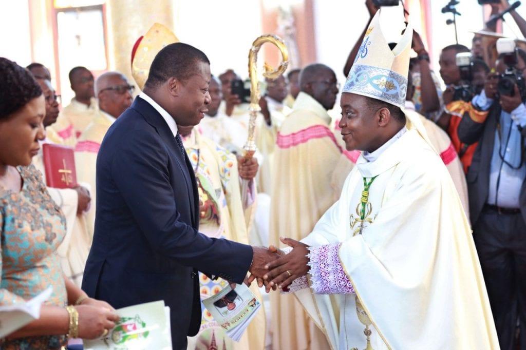 Messe pontificale de prise de possession du siège épiscopal de Lomé par Mgr Nicodème Barrigah-Benissan
