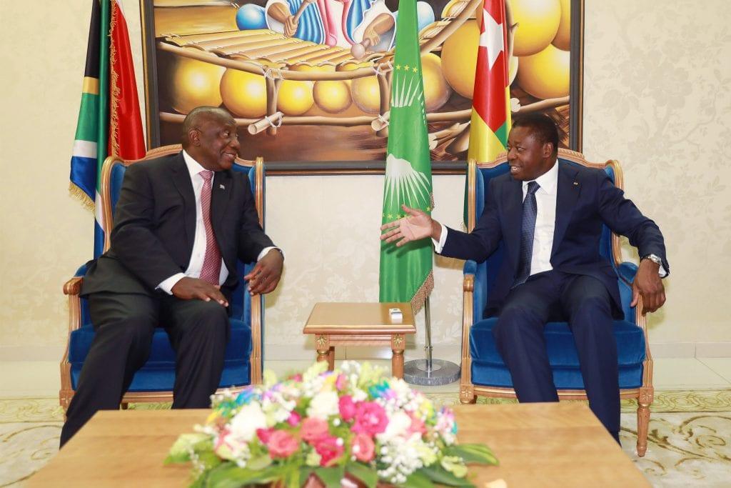 Le Roi Mohamed VI du Maroc et les Présidents Cyril Ramaphosa d'Afrique du Sud, Ali Bongo Ondimba du Gabon et Paul Biya du Cameroun, ont adressé leurs vives et chaleureuses félicitations à leur homologue togolais Faure Gnassingbé.