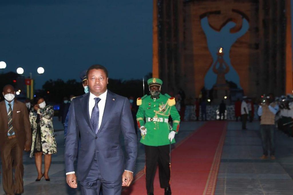 Le Président de la République SEM Faure Essozimna Gnassingbé a procédé ce 26 avril 2020 à la ranimation de la flamme de l'indépendance, à la veille de la célébration du 60è anniversaire de l'accession de notre pays à la souveraineté internationale.