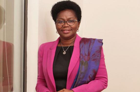 Mme Victoire Tomégah-Dogbé a été nommée ce 28 septembre 2020 Premier ministre, par décret signé du Président de la République. La première femme à ce poste dans notre pays succède à Sélom Klassou, démissionnaire depuis vendredi dernier. Le chef de l'Etat nomme M. Kanka-Malik Natchaba au poste de Secrétaire Général du gouvernement