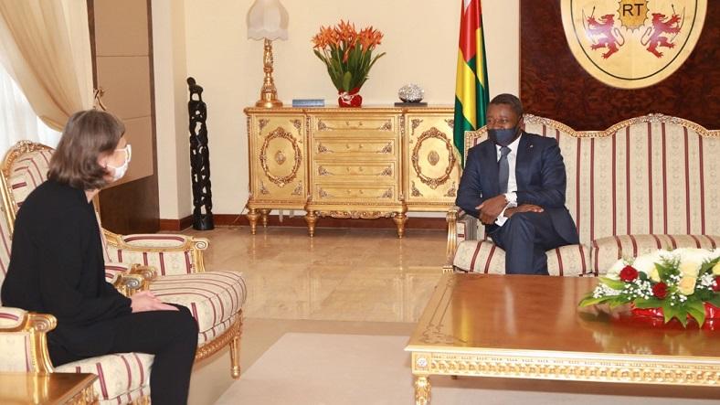 Le Président de la République, SEM Faure Essozimna Gnassingbé, a reçu ce 16 octobre 2020, les lettres de créance du nouvel ambassadeur de France au Togo, Mme Jocelyne Caballero.