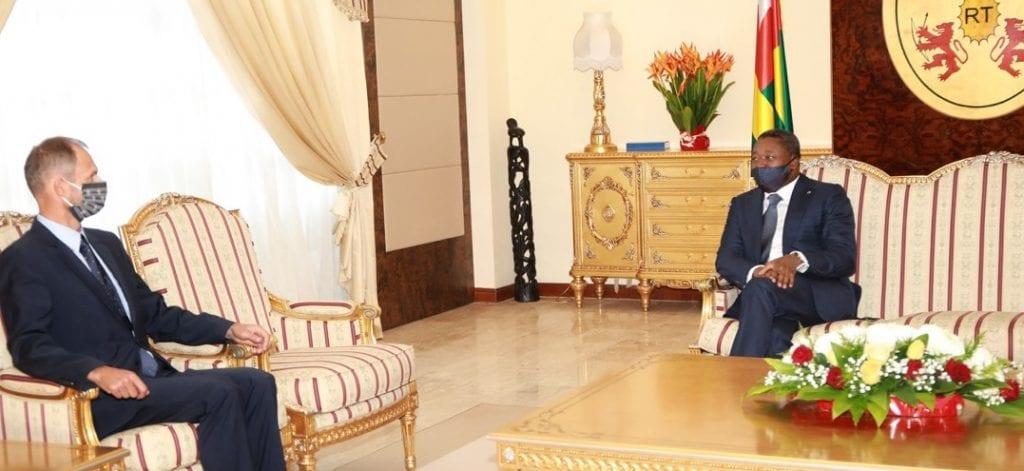 Le Président de la République, SEM Faure Essozimna Gnassingbé a également reçu ce 16 octobre 2020, les lettres de créance de l'Ambassadeur de Suisse au Togo, M. Philipp Stalder.