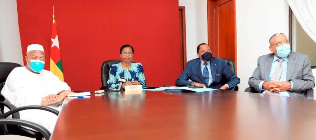 Les leaders africains ont célébré ce 13 novembre 2020 par visioconférence le 21è anniversaire de la journée de la Décision de Yamoussoukro, placée sous le thème « mise en œuvre de la Décision de Yamoussoukro, de l'opérationnalisation de la Commission africaine de l'aviation civile (CAFAC), Agence d'Exécution de la Décision de Yamoussoukro et des différents leviers du développement durable du transport aérien en Afrique : le chemin parcouru ». Le Président de la République, SEM Faure Essozimna Gnassingbé, Champion du Marché unique du transport aérien africain (MUTAA) a été représenté à cette rencontre par la cheffe du gouvernement, Mme Victoire Tomégah-Dogbé.
