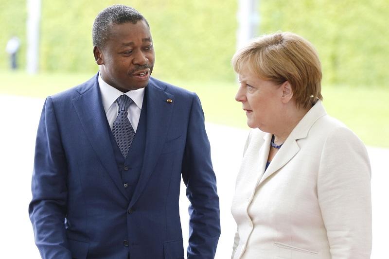 La coopération germano-togolaise porte sur des axes prioritaires notamment la gouvernance locale et la décentralisation. Deux projets d'appui technique et financier de grande envergure sont en cours d'exécution à savoir le Programme d'appui à la décentralisation au Togo (PAD) conduit par la KfW et le Programme décentralisation et gouvernance locale (ProDeGoL) piloté par la GIZ.