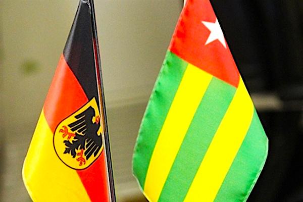 Les travaux du quatrième cycle des consultations germano-togolaises se sont ouverts ce 23 novembre 2020 à Lomé. La rencontre réunit des délégations togolaises au niveau ministériel, des diplomates et des partenaires techniques et financiers allemands notamment la GIZ et la KfW.