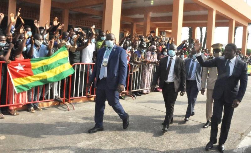 Le Président de la République, SEM Faure Essozimna Gnassingbé séjourne ce 15 décembre 2020 en Guinée dans le cadre de la cérémonie de prestation de serment du Président Alpha Condé réélu à la magistrature de son pays.