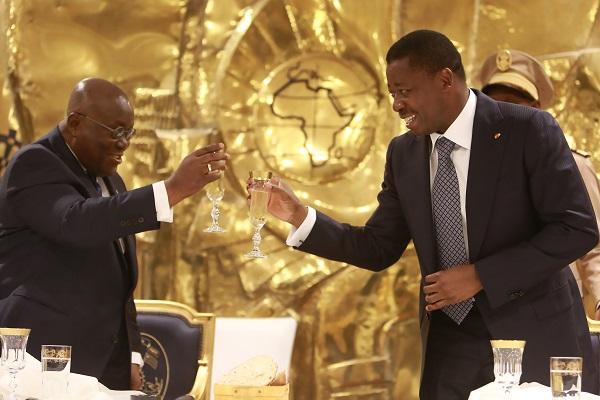 Le Président de la République, SEM Faure Essozimna Gnassingbé a adressé ce 11 décembre 2020, ses vives et chaleureuses félicitations à SEM Nana Dankwa Akufo-Addo pour sa réélection le 7 décembre dernier à la magistrature suprême de son pays.