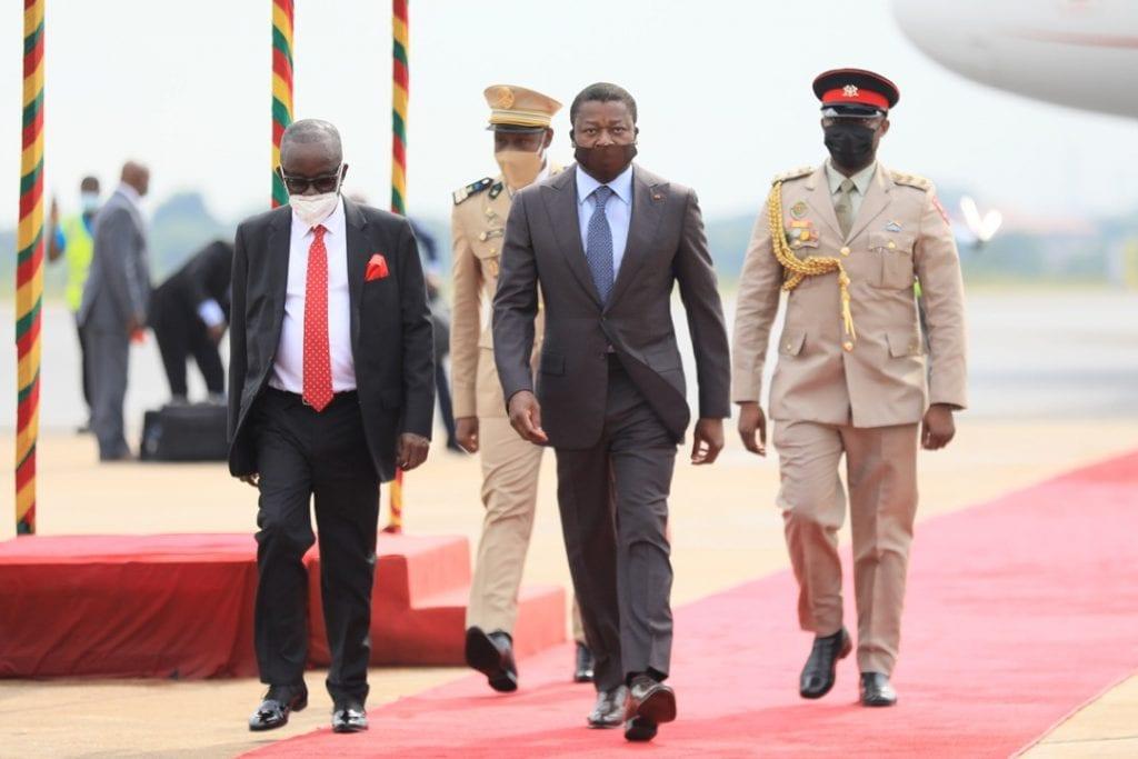 Le Président de la République, SEM Faure Essozimna Gnassingbé est arrivé ce matin à Accra pour prendre à la cérémonie de prestation de serment et d'investiture du Président réélu du Ghana, SEM Nana Addo Dankwa Akufo-Addo