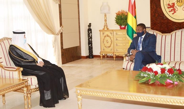 Le Président de la République, SEM Faure Essozimna Gnassingbé, a reçu ce 3 février 2021, les lettres de créance du nouvel ambassadeur d'Arabie Saoudite au Togo, M. Meshal Hamdan AlRoqi. Le diplomate saoudien, après le cérémonial, a eu son premier entretien avec le Chef de l'Etat. Les discussions ont porté sur les voies et moyens de renforcement de la coopération entre Riyad et Lomé.