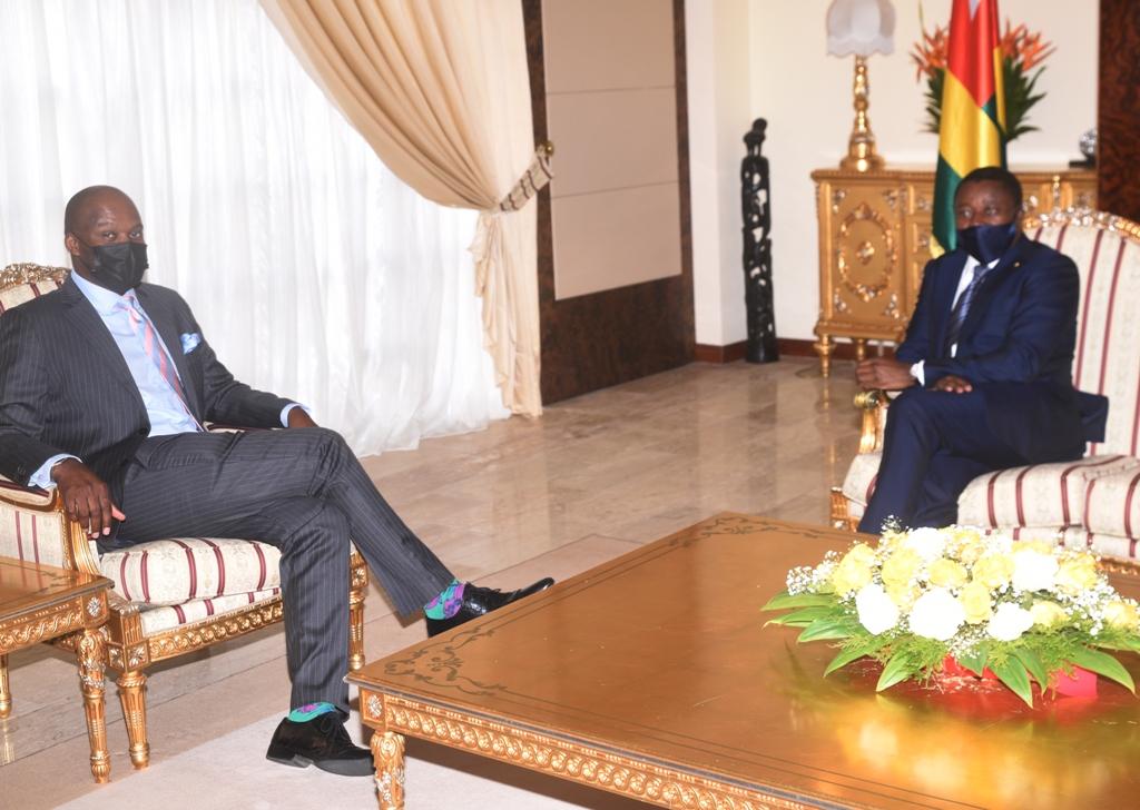 Le Président de la République, Faure Essozimna Gnassingbé s'est entretenu, ce 26 février 2021, avec le nouveau Secrétaire général de la Zone de libre-échange continentale africaine (ZLECAf), Monsieur Wankele Mene, en visite de travail à Lomé.