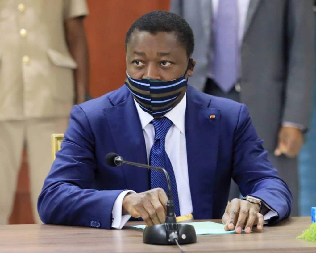 L'équipe gouvernementale s'est réunie ce 3 mars 2021 en Conseil des ministres sous la présidence du Chef de l'Etat, SEM Faure Essozimna Gnassingbé. Le Conseil a tenu deux séminaires gouvernementaux, le premier relatif à l'état d'avancement du projet « Identification biométrique » et le second sur la trajectoire d'industrialisation du Togo autour de la Plateforme Industrielle d'Adéticopé.