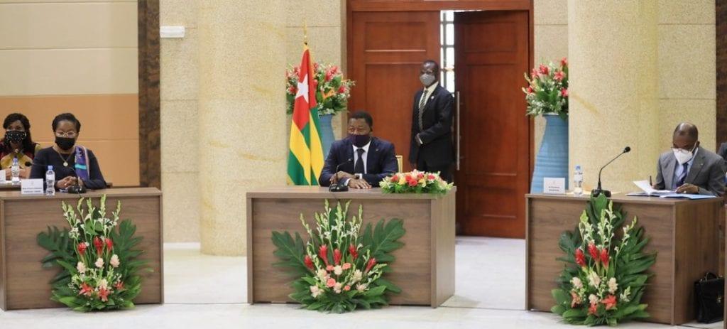 L'équipe gouvernementale s'est réunie ce 24 mars 2021 en Conseil des ministres sous la présidence du Chef de l'Etat, SEM Faure Essozimna Gnassingbé. Le Conseil a examiné quatre (04) projets de décret et écouter trois (03) communications.