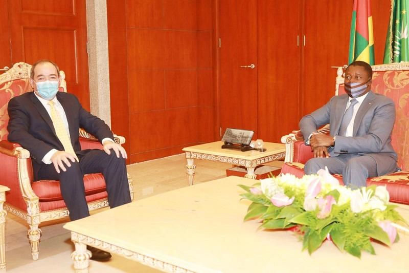 Le Président de la République, Faure Essozimna Gnassingbé s'est entretenu ce dimanche 7 mars 2021 avec le ministre algérien des Affaires étrangères Sabri Boukadoum arrivé à Lomé dans le cadre de la deuxième réunion du Groupe de soutien à la transition au Mali (GST-Mali) qui s'ouvre demain.