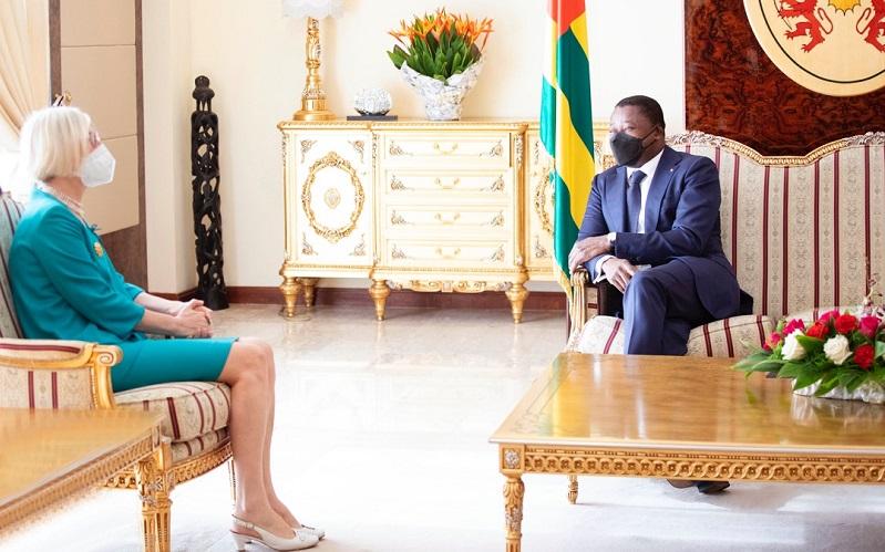 Le Président de la République Faure Essozimna Gnassingbé a reçu, ce 26 avril 2021, les lettres de créance de Mme Esra Demir, nouvel ambassadeur de Turquie au Togo, avec résidence à Lomé.