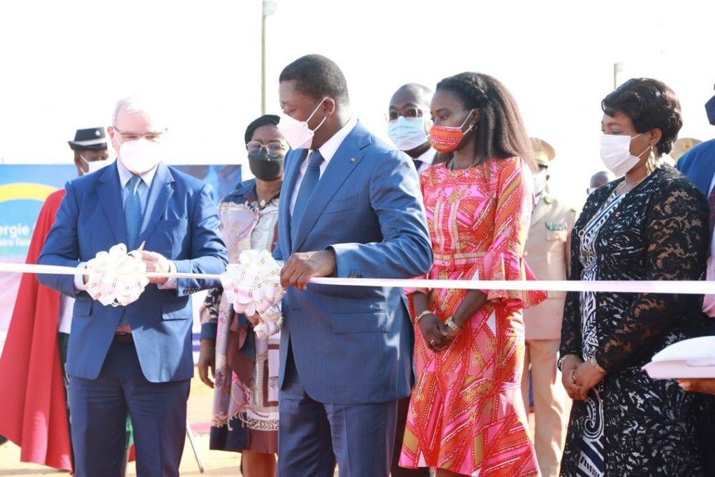 Le pari d'un accès universel à l'énergie électrique est en passe d'être gagné au Togo. Le Chef de l'Etat Faure Essozimna Gnassingbé a procédé ce 26 avril 2021 à la mise en opération de la Centrale électrique « Kékéli Efficient Power ».