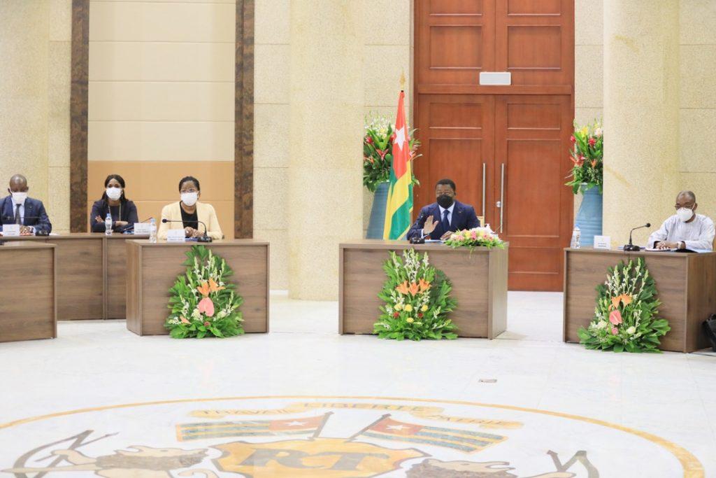 Le conseil des ministres s'est réuni ce jour sous la Présidence de Son Excellence Monsieur Faure Essozimna Gnassingbé, Président de la République. Le conseil a examiné un avant-projet de loi, un projet de décret et écouté quatre communications.
