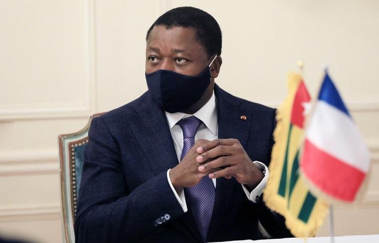 Le Président de la République Faure Essozimna Gnassingbé est arrivé ce samedi 15 mai 2021 à Paris en France où il prendra part aux travaux du sommet sur le financement des économies des pays de l'Afrique subsaharienne post Covid-19.