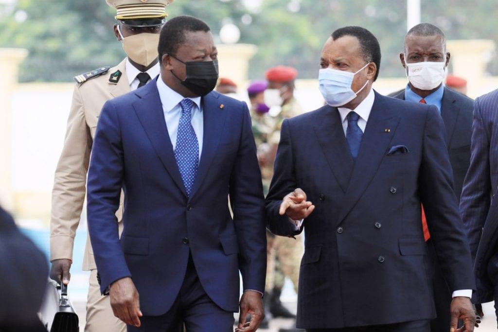 Le Président de la République, Faure Essozimna Gnassingbé a effectué ce 14 mai 2021 à Brazzaville en République du Congo une visite de travail à l'invitation du Président Denis Sassou NGuesso. Au cours de cette visite placée sous le signe du renforcement des relations fraternelles, d'amitié et de coopération, les deux hommes d'État ont procédé à un large échange marqué par la convergence de vues sur les questions d'intérêt commun d'ordre bilatéral, régional et multilatéral.