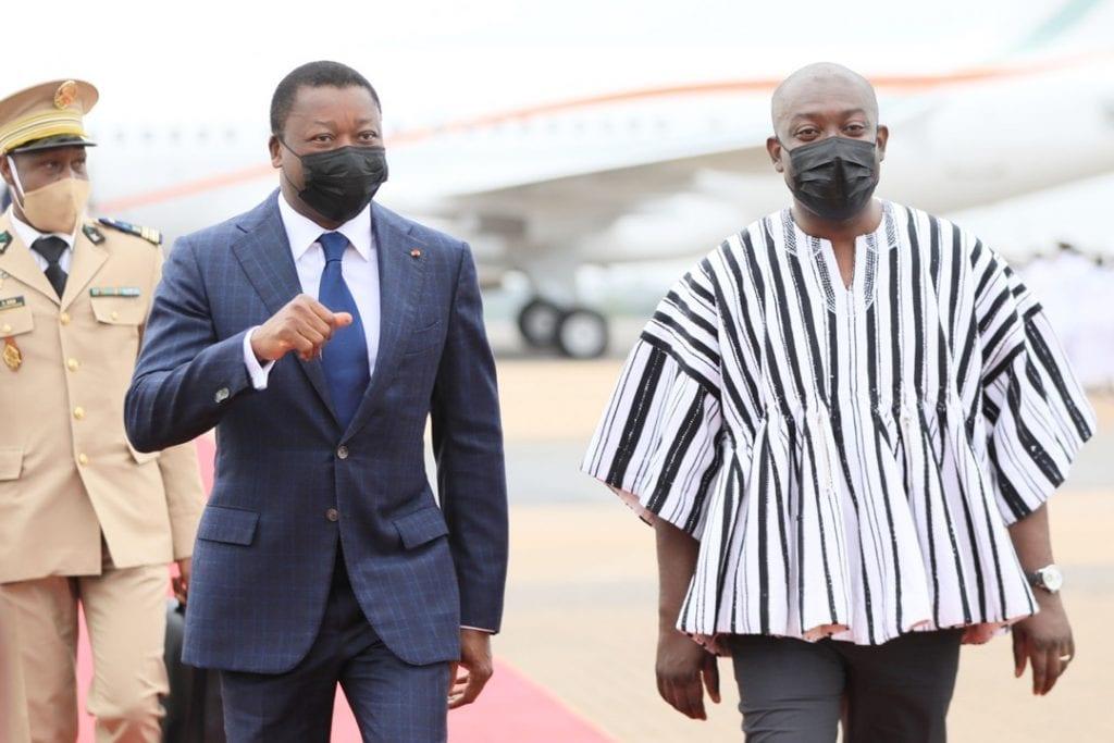 Le Président de la République Faure Essozimna Gnassingbé est arrivé ce matin à Accra au Ghana où il prendra part aux travaux du 59è sommet ordinaire de la Conférence des Chefs d'Etat et de Gouvernement de la Communauté économique des Etats de l'Afrique de l'Ouest (CEDEAO).