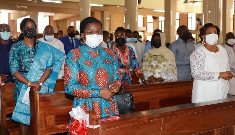 Les membres du gouvernement, plusieurs personnalités politiques, administratives et religieuses se sont retrouvés ce dimanche 06 juin 2021 pour adresser leur prière à Dieu tout puissant, le miséricordieux afin qu'il comble de sa grâce le Président de la République Faure Essozimna Gnassingbé et tout le Togo.