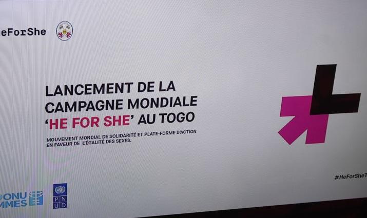 Depuis 2014, ONU FEMMES a lancé un mouvement de solidarité mondiale pour plus d'égalité et d'équité de genre dénommé HeForShe (Lui pour Elle). Le Togo adhère à cette initiative et la campagne au plan national a été officiellement lancée à Lomé ce vendredi 23 juillet 2021