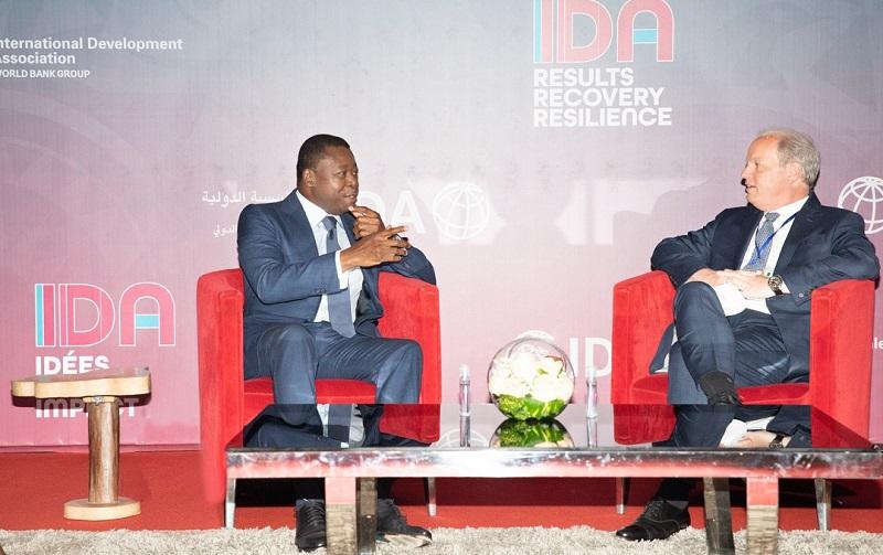 Le Président de la République Faure Essozimna Gnassingbé a participé activement ce 15 juillet 2021 à Abidjan en Côte d'Ivoire au sommet des Chefs d'Etat africains sur la 20è reconstitution des ressources de l'Association internationale de développement (IDA20). En marge des travaux, le Chef de l'Etat s'est entretenu avec Monsieur Axel van Trotsenburg, Directeur général des opérations de la Banque mondiale (BM).