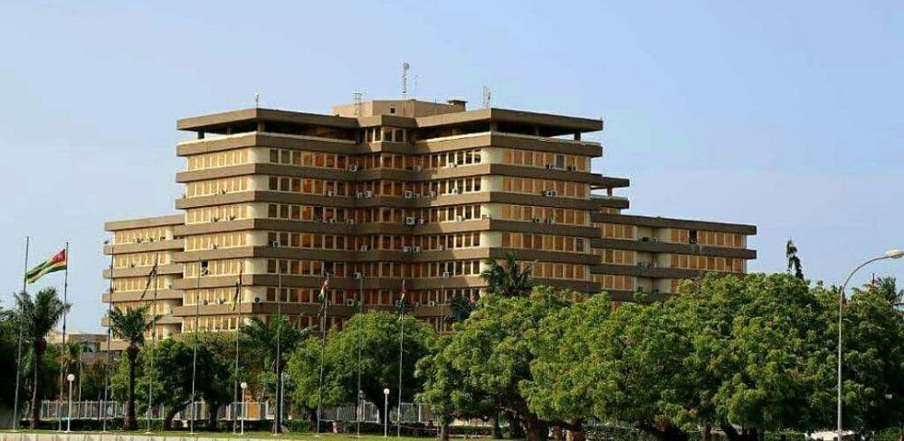 Le niveau de transparence budgétaire du Togo a été jugé satisfaisant. Dans l'espace UEMOA, le Togo, la Côte d'Ivoire et le Burkina Faso sont les pays qui respectent les exigences minimales en matière de transparence budgétaire.
